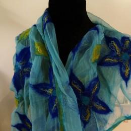 zijden-sjaal-blauwe-bloemen